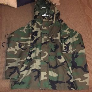 7e9bacae57bd2 Tennessee Apparel Corp. Jackets & Coats - US Army ECWCS Gore Tex Woodland  Camouflage Parka